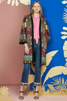 The complete Etro Resort 2018 fashion show now on Vogue Runway.