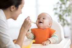 Stage-by-stage advice on introducing solids.