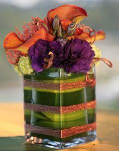 Small, short arangements you can see over. Wedding Reception Flowers, Purple Wedding, Reception Decorations, Flower Decorations, Wedding Bells, Modern Centerpieces, Vase Centerpieces, Purple Centerpiece, Loft Wedding