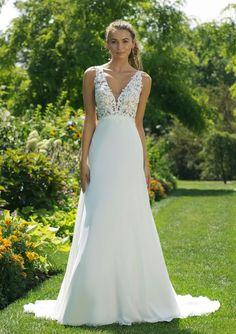 Check out the romantic new wedding dresses from the latest Fall Winter 2018 Sweetheart Gowns Collection! Make all your dreams come true and explore the fun and flirty bridal styles! Wedding Dresses Under 100, Lace Wedding Dress, Wedding Dresses With Straps, Wedding Dress Sizes, Modest Wedding Dresses, Perfect Wedding Dress, Designer Wedding Dresses, Bridal Dresses, Wedding Gowns