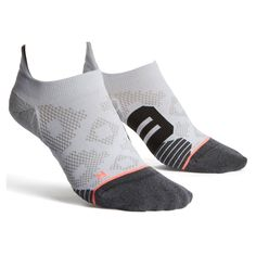 These cool socks have reinforced, anatomically correct designs to fit your left or right foot, giving individualized compression support to get you through. Workout Attire, Workout Gear, Calf Compression, Sweat Out, Warm Bed, Cute Socks, Sport Socks, Fitness Fashion, Fitness Style