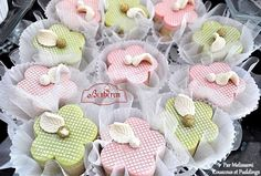 Douceur algérienne Pastry Recipes, Dessert Recipes, Chocolate Cube, Cupcake Tutorial, Arabic Sweets, Biscuit Cake, Oreo Cheesecake, Afternoon Tea, Cake Pops