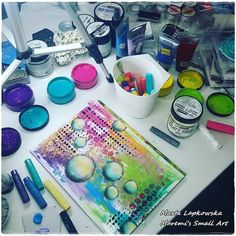 Have you heard about Wanderlust yet? I am here to spread the news for you ! Join 26 amazing teachers on this year long class about . Mixed Media Artwork, Mixed Media Collage, Mixed Media Canvas, Collage Art, Painting Collage, Painting Abstract, Acrylic Paintings, Mixed Media Techniques, Mixed Media Tutorials