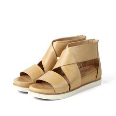 dcc61067b910 Postdam Wide Straps Flat Sandals (Dune) Flat Sandals