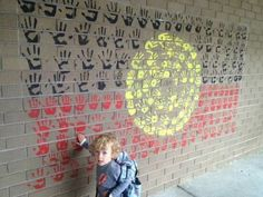 Wall display Aboriginal Art For Kids, Aboriginal Education, Childcare Rooms, Naidoc Week, Island Crafts, Cultural Diversity, Crafty Kids, Indigenous Art, Working With Children