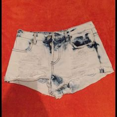 Distressed high waited cutoffs Bleached tie-dye shorts! A summer must have and perfect for concerts! There's no zipper just buttons! Price is negotiable! I will be posting a modeling picture soon! NWOT! Forever 21 Shorts Jean Shorts
