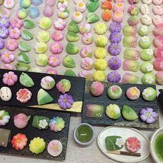 あれからねりきりを8種類ほど増やしました☆ 写真、上手く撮れません ##樹脂粘土 #粘土 #フェイクフード #ミニチュアフード #ミニチュア #ドールハウス #clay #miniature #dollhouse #fakefood #miniaturefood #和菓子