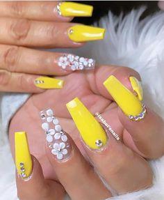 Yellow Nails, Beautiful Nail Designs, Stylish Nails, Gorgeous Nails, Nail File, Nail Trends, Nail Tech, Fascinator, Beauty Women