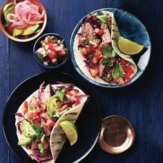 Tacos are great for easy entertaining – everyone loves them. Top these delicious with grilled steak tacos with pico de gallo, avocado and a squeeze of lime to finish. Mexican Dishes, Mexican Food Recipes, Beef Recipes, Dinner Recipes, Cooking Recipes, Ethnic Recipes, Party Recipes, Recipies, Steak Tacos