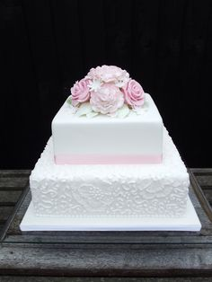 Two tier square pink and white wedding cake with brush embroidery detailing and a sugar paste rose and carnation posy. Wedding Cake Two Tier, Wedding Sheet Cakes, Square Wedding Cakes, Wedding Cakes With Cupcakes, Wedding Cake Designs, Gorgeous Cakes, Pretty Cakes, 40th Wedding Anniversary Cake, Vow Renewal Cake