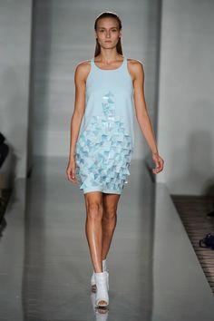 London FW S/S 2015 Pringle of Scotland. See all fashion show at: http://www.bookmoda.com/?p=31113 #spring #summer #ss #fashionweek #catwalk #fashionshow #womansfashion #woman #fashion #style #look #collection #london #pringleofscotland