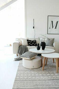 deco nordique avec tapis scandinave dans le salon