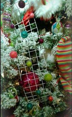 """RAZ Imports 47"""" Glittered Ball Wired Garland Set/4 Candy Christmas Ribbon"""