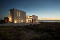 Casa Moderna Com Vista Para o Mar-fachada lateral