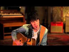 ▶ Mo Pitney - Hickory Wind (Official Acoustic Version) (Emmylou Harris Cover) - YouTube