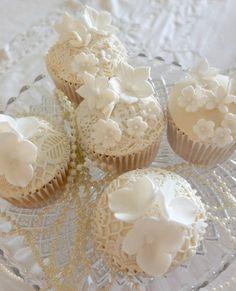 ivory cupcakes ❤