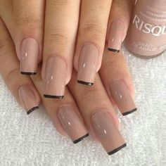 Semi-permanent varnish, false nails, patches: which manicure to choose? - My Nails Fall Nail Designs, Acrylic Nail Designs, Acrylic Nails, French Nails, Nails French Design, Cute Nails, Pretty Nails, Hair And Nails, My Nails