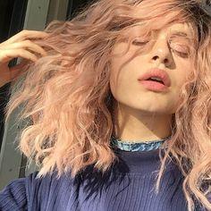 - ̗̀ saith my he A rt ̖́- Messy Hairstyles, Pretty Hairstyles, Hair Inspo, Hair Inspiration, Coloured Hair, Hair Day, Pink Hair, Pretty Face, Hair Goals