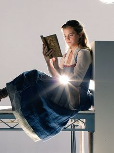Emma W. Thailand: New pictures of Emma Watson as Belle in 'Beauty and the Beast Emma Watson Beauty And The Beast, Beauty And The Beast Movie, Emma Watson Beautiful, Emma Watson Fan, Ema Watson, Emma Watson Quotes, Emma Thompson, Hermione Granger, Fangirl