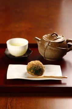 Japanese sweets, Yomogi-mochi よもぎ餅