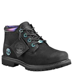 The Nellie women's boots from Timberland are always in style and feel great to wear. Timberland Chukka Boots, Timberland Boots Outfit, Timberland Waterproof Boots, Black Timberlands, Grunge Style, Soft Grunge, Ankle Boots, Lace Up Boots, Leather Boots