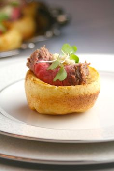 Mini Yorkshire Puddings with Roast Beef and Horseradish - Downton Abbey Party Menu