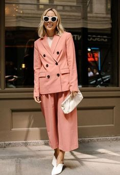 The Best Street Style Looks From New York Fashion Week Spring 2018 Street Looks, Look Street Style, New York Fashion Week Street Style, Street Style Summer, Spring Style, Street Styles, Ootd Fashion, New Fashion, Trendy Fashion