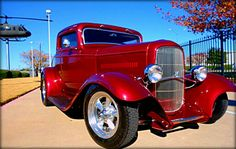 Candy apple red 1932 Ford 3 window coupe