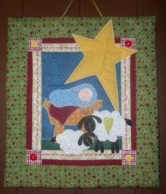 Painel em patchwork com apliques 100% algodao, ideal para parede ou´porta neste natal... As estampas podem variar conforme a disponibilidade. R$48,00