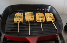 Pan grilled paneer with sriracha, honey, garlic, lime and coriander, a quick and easy party starter Veg Recipes, Indian Food Recipes, Snack Recipes, Cooking Recipes, Healthy Recipes, Appetizer Recipes, Grilled Paneer, How To Make Paneer, Asian Vegetables