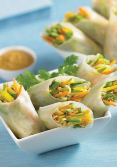 Vegetarian Vietnamese Fresh Rolls | The perfect recipe for a healthy appetizer on New Year's Eve!