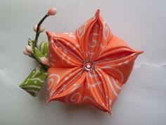 brooch / hair clip peach bell-flower tsumami kanzashi with a twig and peach color pip berries