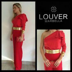 #moda#louver#marbella#pantalon#blusa#asimetrica#lazo#rojo#cinturon#dorado#brazalete