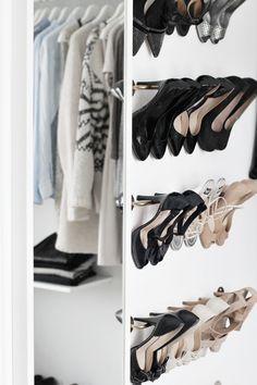 Shoe rack_walk-in-closet