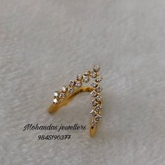 V - Shapped diamond rings Bracelets Design, Gold Bangles Design, Jewelry Design Earrings, Gold Earrings Designs, Gold Jewellery Design, Necklace Designs, Handmade Jewellery, Beaded Jewelry Designs, Gold Jewelry Simple