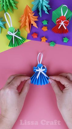 Christmas Crafts For Kids To Make, Christmas Paper Crafts, Easy Paper Crafts, Paper Crafts Origami, Diy Arts And Crafts, Kids Christmas, Holiday Crafts, Fun Crafts, Paper Decorations