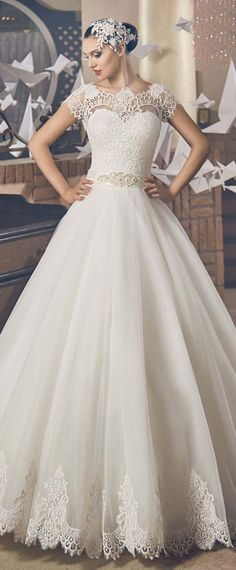 NEW! Fantastic Tulle Jewel Neckline Natural Waistline A-line Wedding Dress With Lace Appliques & Belt