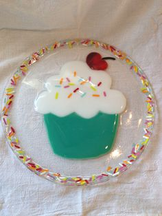11 inch Cupcake plate Sprinkilicious by birdisaword on Etsy Slumped Glass, Fused Glass Ornaments, Fused Glass Plates, Fused Glass Art, Glass Dishes, Mosaic Glass, Stained Glass, Glass Fusion Ideas, Glass Fusing Projects