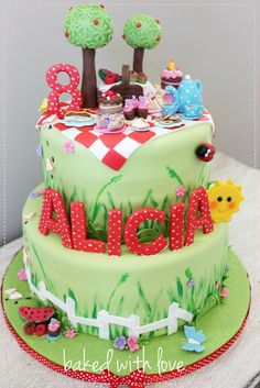 Picnic cake - but less stuff at the top - a tree a blanket and a basket and apple would be enough Picnic Birthday, Birthday Cake Girls, Birthday Cakes, Fondant Cakes, Cupcake Cakes, Cupcakes, Picnic Cake, Fantasy Cake, Summer Cakes