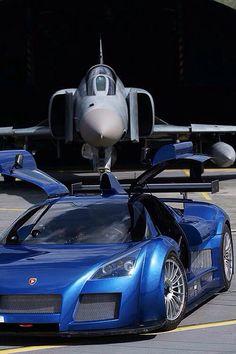 Gumpert and Fighter Jet