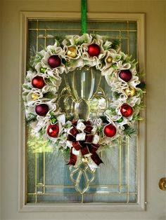 Large Christmas Wreath for Front Door, White Christmas Wreath, Christmas Wreath with Ornaments, Ornament Wreath, Farmhouse Christmas Wreath