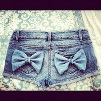 Bow Shorts: I will be skinny again someday and I will require a pair of these.