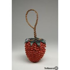 "Mary Wright straw ""strawberry"" novelty bag, c.1940, USA, Museum purchase. Collection of The Museum at FIT #TurnofStyle"