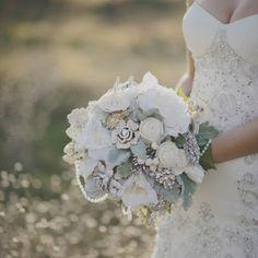 Caramel: Wedding Brooch Bouquets