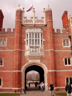 Hampton Court Palace: Main Entrance