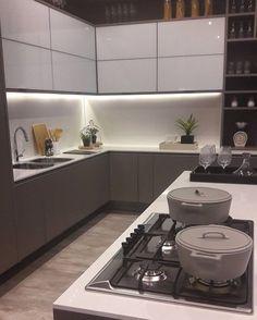 """1,571 Likes, 11 Comments - AndréadePaula GabrielaNóbrega (@designdecor) on Instagram: """"Cozinha linda aqui na @highdesignexpo. Cinza e branco ressaltado pela iluminação de Led embutida.…"""""""