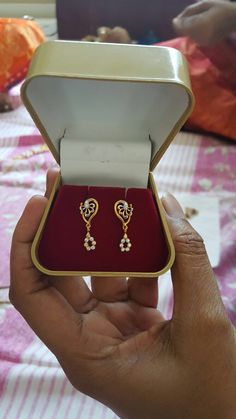 Latest daily wear earnings gold and diamonds Gold Jewelry Simple, Gold Rings Jewelry, Jewelry Design Earrings, Gold Earrings Designs, Ear Jewelry, Gold Bangles Design, Gold Jewellery Design, Indian Gold Jewellery, Gold Jhumka Earrings