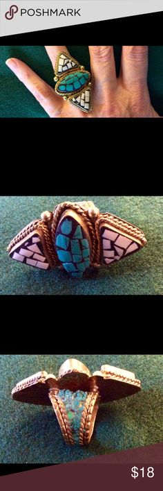 Vintage style turquoise ring Great ring looks beautiful on. Jewelry Rings