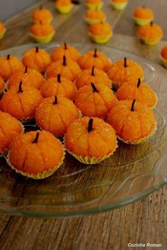 Halloween Desserts, Fete Halloween, Halloween Cupcakes, Peppa Halloween, Cute Food, Yummy Food, Farm Birthday, Portuguese Recipes, Cake Pops