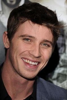 Garrett Hedlund -- those eyes & that smile. Obsession.
